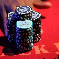 blackjack para kazanma, blackjack nasıl oynanır, blackjack taktikleri